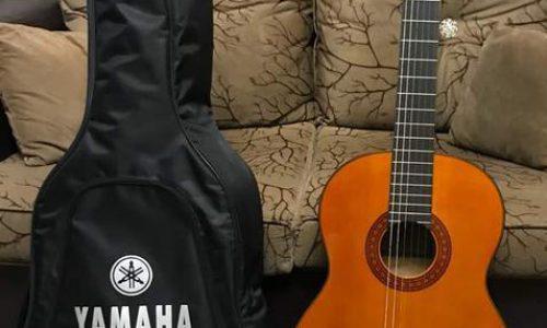 گیتار yamaha C70 اصله اصل و قدیمی و تمیز
