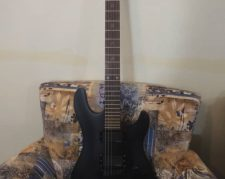 گیتار الکتریکی Cort EVL- K4 دو پیکاپه اورجینال به همراه آمپ