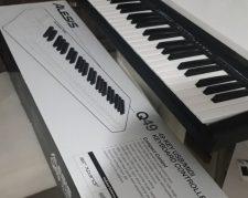MIDI contoroler Alesis Q49