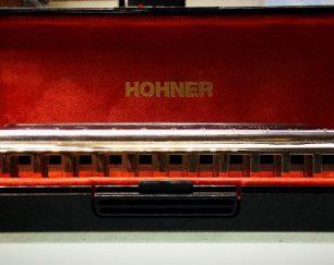 (Hohner(larry adler