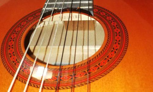 گیتار یاماها c 70