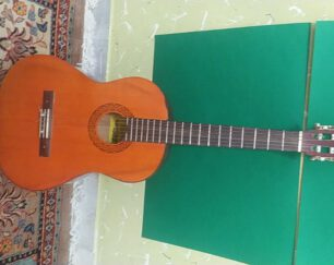 گیتار فروش فوری