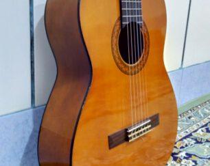 گیتار yamaha